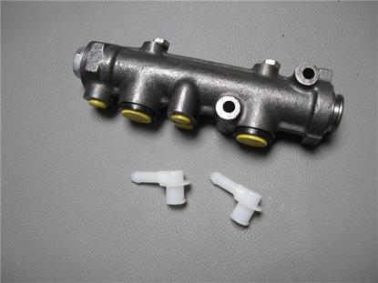 Picture of brake master cylinder 1500