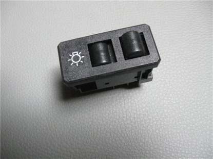 Picture of headlight switch on dashboard 1500 till 10 / 1982