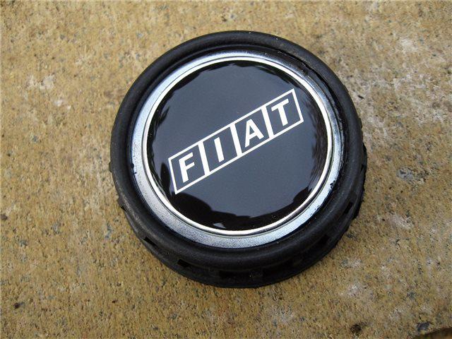 Afbeeldingen van tankvuldop met FIAT embleem