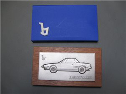 Afbeeldingen van BERTONE plaquette