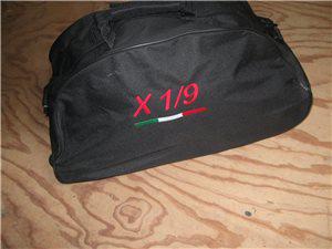 Afbeeldingen van tas met geborduurd X 1/9 logo, zwart